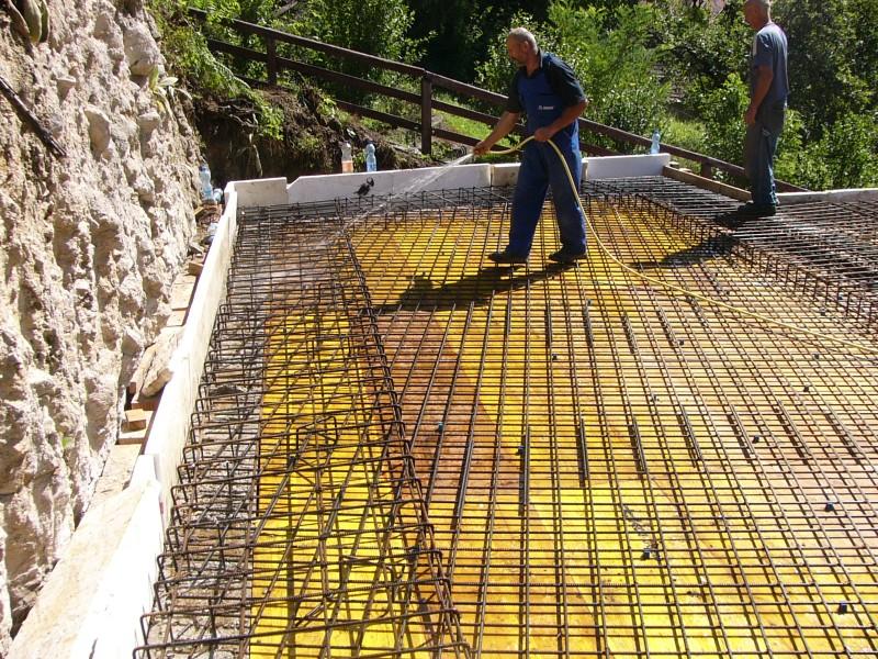 Emeleti födém - Mindjárt jön a beton